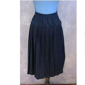 NWT Alfred Dunner Navy Blue Pleated Skirt Size 16P